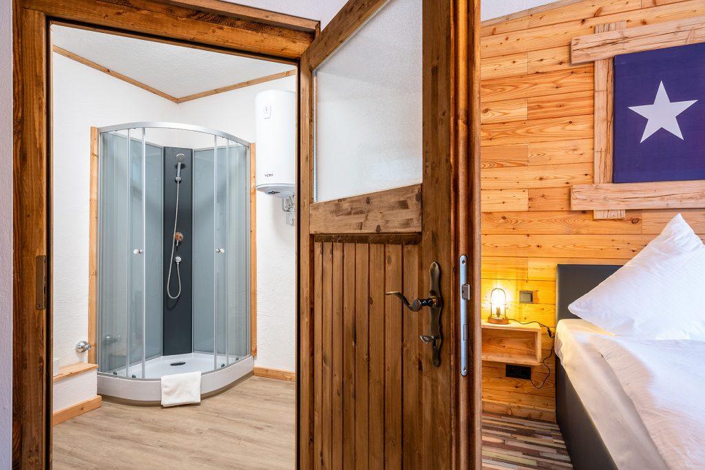 Die Zimmer im Zündstoff-City Motel bieten alles was ein modernes Hotelzimmer benötigt.
